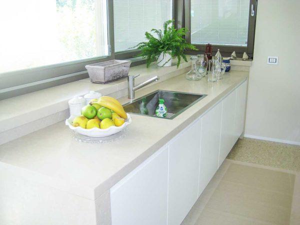 piani cucine in pietra bianca della lessinia prun