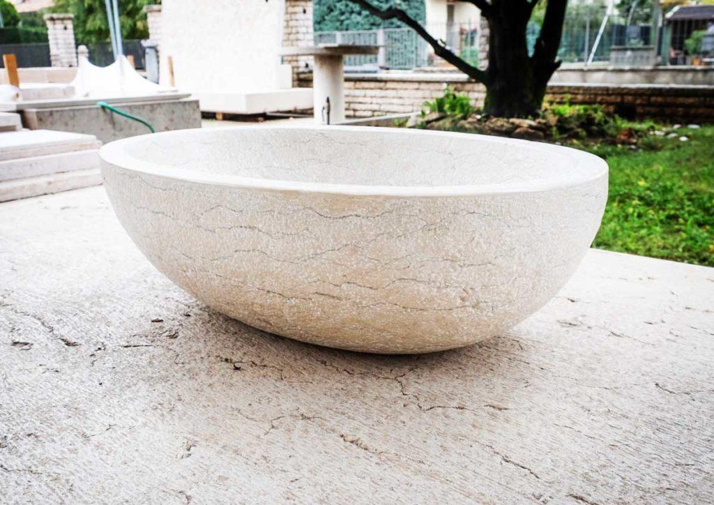 lavello in pietra della lessinia